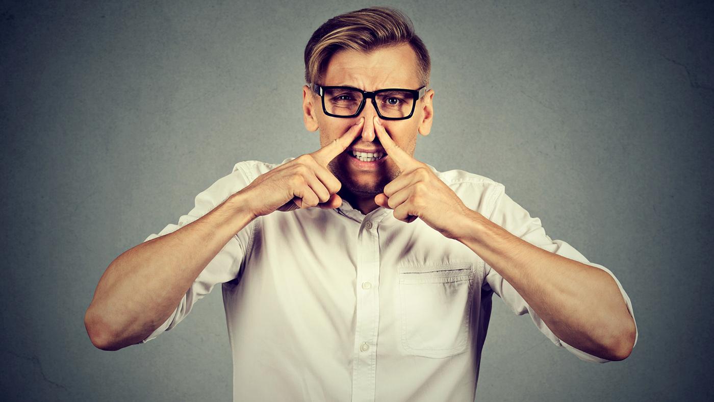 ¿Qué son las humedades y los malos olores?